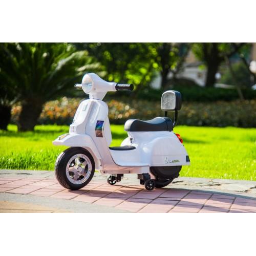 Ηλεκτροκίνητη παιδική Vespa Licensed PX150 6V σε λευκό 13008 ΠΑΙΧΝΙΔΙΑ